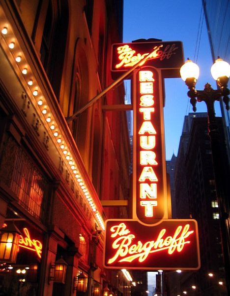 5 Oldest Bars in Chicago