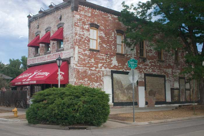 3 Historic Western Saloons to Visit