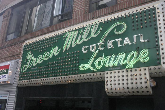 5 Best Historic Bar Signs in America